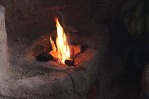Br.briquettes make fire